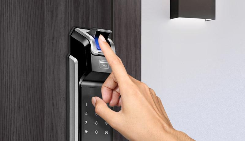Khóa cửa điện tử Samsung SHS-P718 khoacaocap.vn